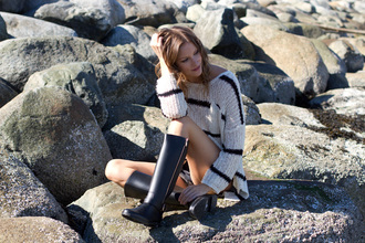 styling my life blogger sweater shorts shoes bag jewels
