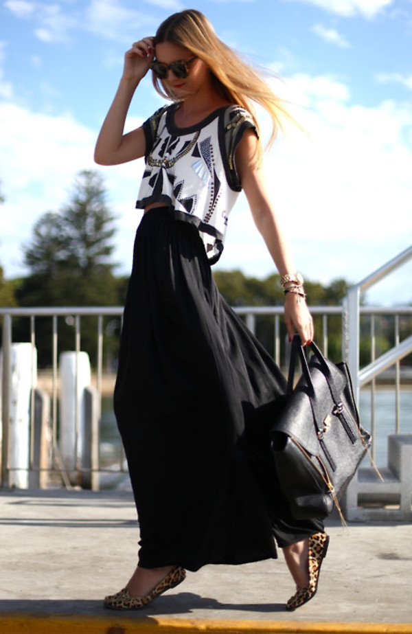 maxi skirt black skirt leopard shoes skirt shirt blouse crop tops beaded bag bluse black white short silver black and white embellishment leather purse black leather handbag aztec blouse dress black dress dress black handbag fashion leather handbag cardigan hat top