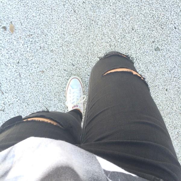 jeans denim black jeans ripped jeans black shoes white shoes converse converse converse white converse white