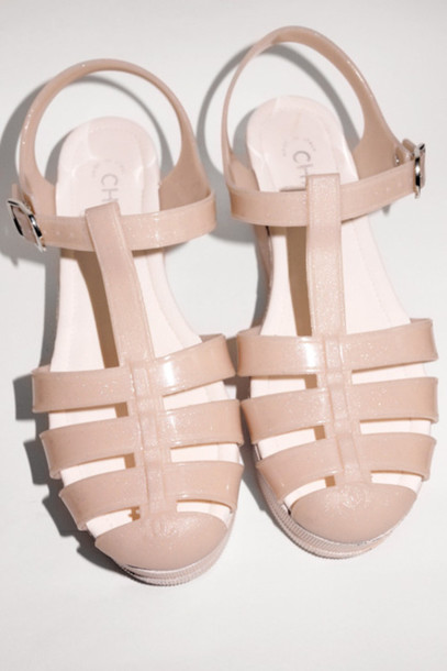 shoes white sandals plastic buckles plastic sandales chanel nude black pink feet