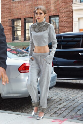 pants crop tops top grey pumps gigi hadid model off-duty spring outfits shoes