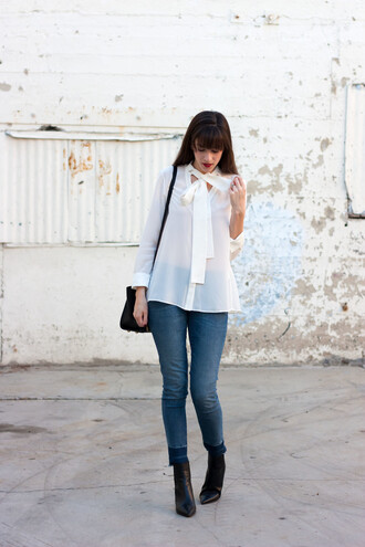 jeans and a teacup blogger blouse jewels jeans shoes bag ankle boots shoulder bag white blouse thanksgiving outfit skinny jeans blue jeans black bag