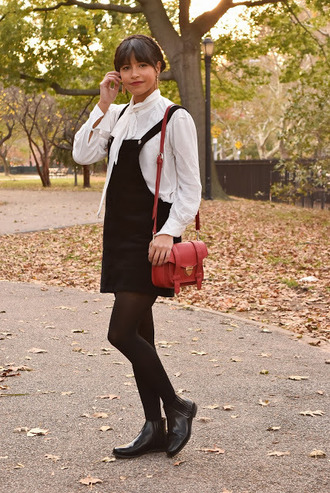 city laundry blogger dress shirt jewels shoes fall outfits white shirt shoulder bag red bag ankle boots