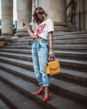 shoes,pumps,red heels,heels,jeans,denim,top,bag