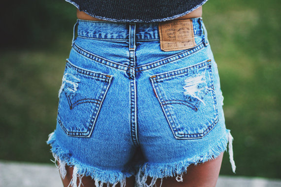 48b324daff LEVIS High waisted Denim Shorts Destroyed Ripped Jeans Vintage Cut Off  Grunge Rock n Roll Summer ...