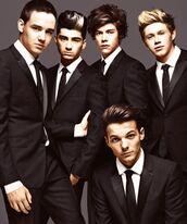 jacket,liam payne,zayn malik,louis tomlinson,niall horan,harry styles,one direction,tuxedo,handsome