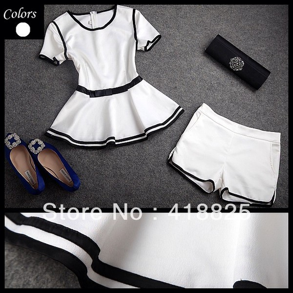 shorts white & black shoes blouse bag