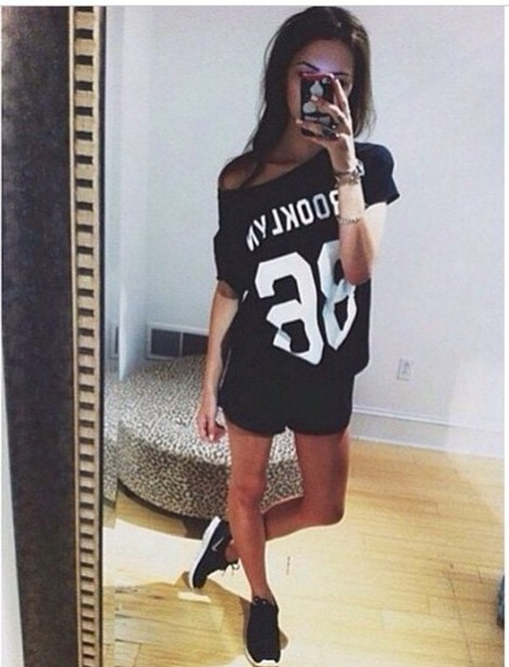 Top Tumblr Black White Tanned Black Top Nikes Black Nikes Love Fashion Style Clothes