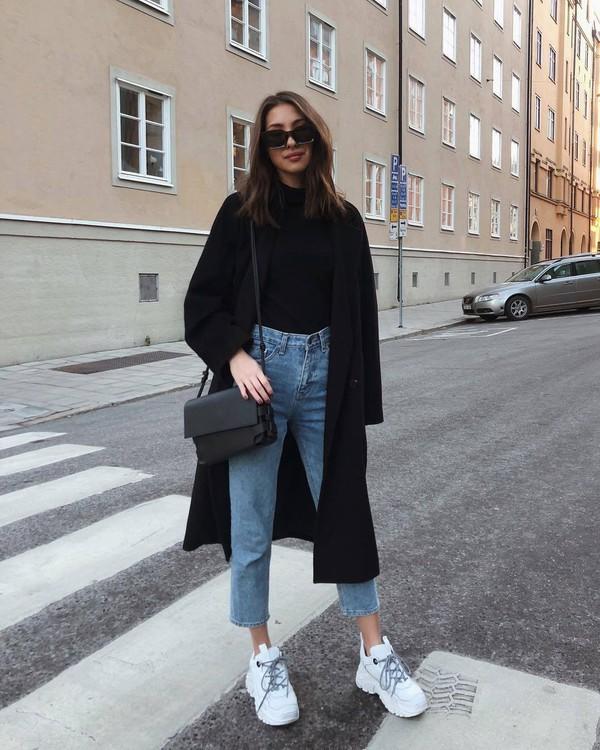 bag crossbody bag leather bag white sneakers black coat black t-shirt sunglasses streetstyle black bag jeans oversized coat black turtleneck top