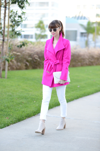 m loves m blogger sunglasses pink coat pouch white jeans