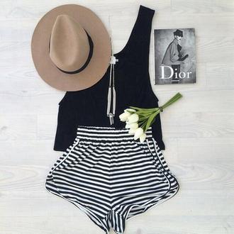 noir black white rayé short beautiful