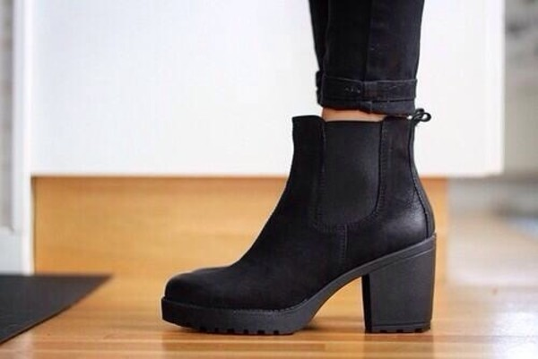 Black Cleated Sole Chelsea Boots Ankle Boots Shoes