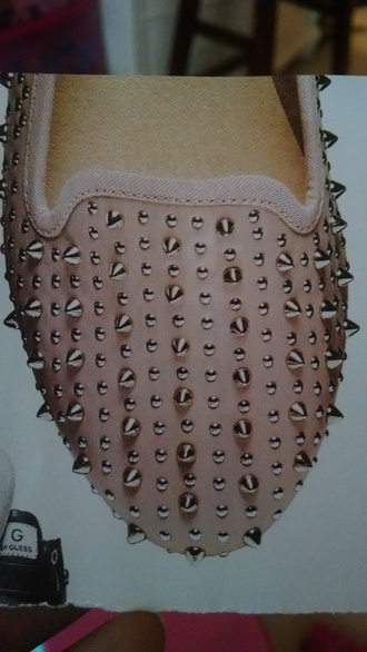 shoes pink shoes light pink shoes flats pink flats studs studded shoes studded flats sliver studs pink and silver edgy tuxedo studded tuxedo studded tuxedo flats