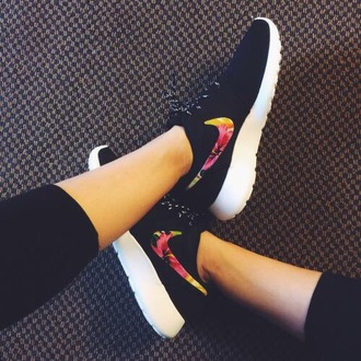 shoes nike floral black trainer roche roshe runs