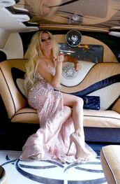 dress,glitter,glitter dress,prom dress,prom,diamonds,pink,blonde hair,luxury,beautiful,black,heels,brown,white,lips,nails,rich fashion,hot,pretty,platinum hair
