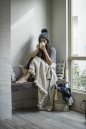hat,tumblr,beanie,grey beanie,pom pom beanie,blanket,pom poms,top,grey top,pillow,home accessory
