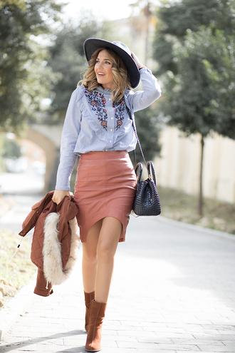 mi aventura con la moda blogger skirt coat shirt shoes bag hat felt hat pink skirt blue shirt brown boots