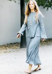 skirt,tumblr,flowy,maxi skirt,grey skirt,top,grey top,sandals,flat sandals,metallic,metallic shoes,gold sandals,streetstyle