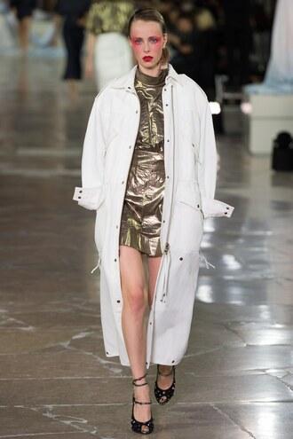 skirt top paris fashion week 2016 metallic sandals kenzo runway coat