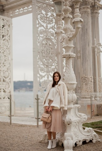 the bow-tie blogger coat sweater skirt shoes bag ankle boots midi skirt shearling jacket spring outfits
