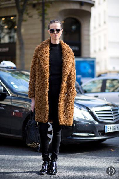 le fashion blogger sunglasses rust fuzzy coat winter coat black jeans winter outfits coat bag jeans