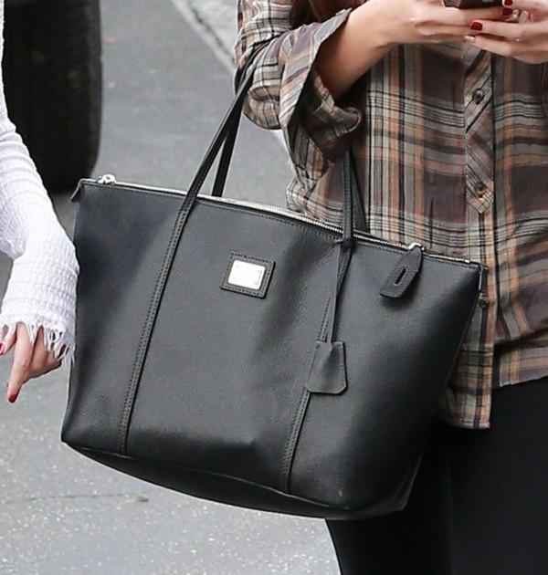 a3c10f6712 Dolce Gabbana  Miss Escape - Classic  Leather Tote