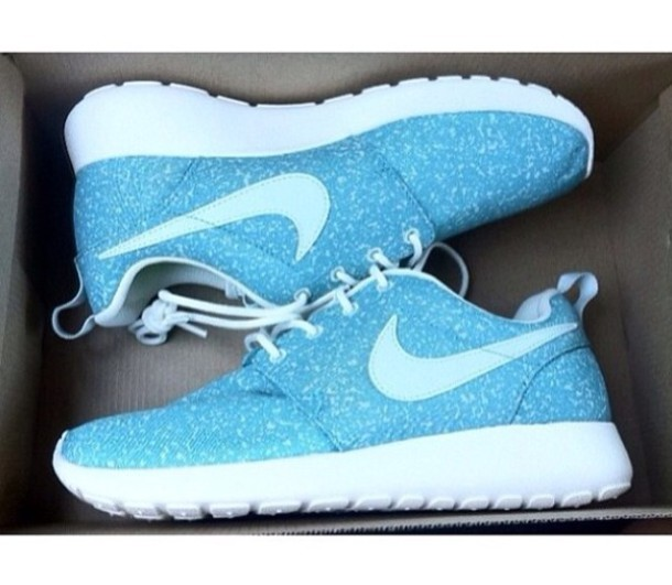 How To Clean White Roshes Shoes