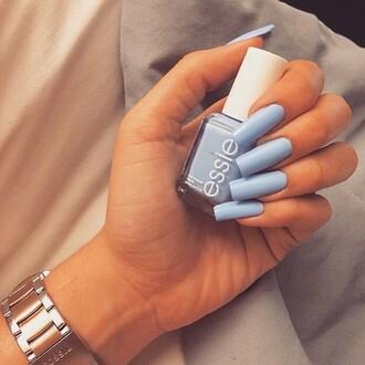 nail polish blue baby blue essie