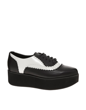 Shellys London | Zapatos con plataforma plana y flecos Dubes de Shellys London en ASOS
