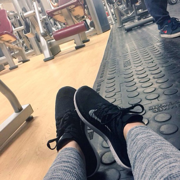 shoes zoella nike running shoes all black everything zoellas trainers and gym leggings