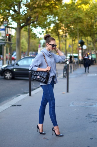 vogue haus blogger jeans shoes bag jewels sunglasses