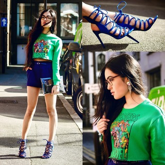 alessandra kamaile blogger sweater shorts shoes bag jewels
