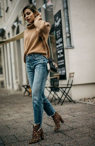 sweater tumblr turtleneck turtleneck sweater beige sweater denim jeans blue jeans cropped jeans boots printed boots ankle boots high heels boots leopard print leopard print ankle boots bag mini bag fall outfits