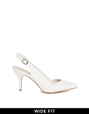 New Look Wide Fit | New Look Wide Fit Waiter White Slingback Heeled Pumps at ASOS