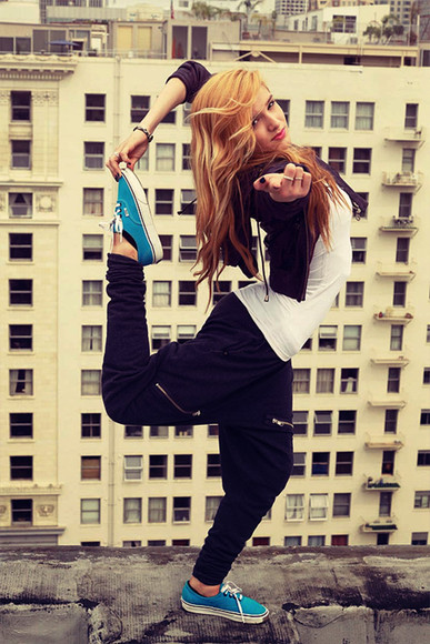 pants baggy pants harem pants black zipper tumblr hip hop Chachi Gonzales chachimomma sweatpants clothes