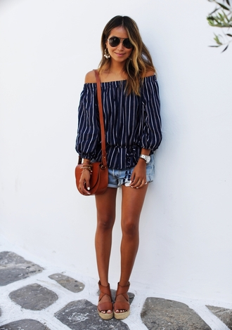 sincerely jules blogger top shorts shoes jewels