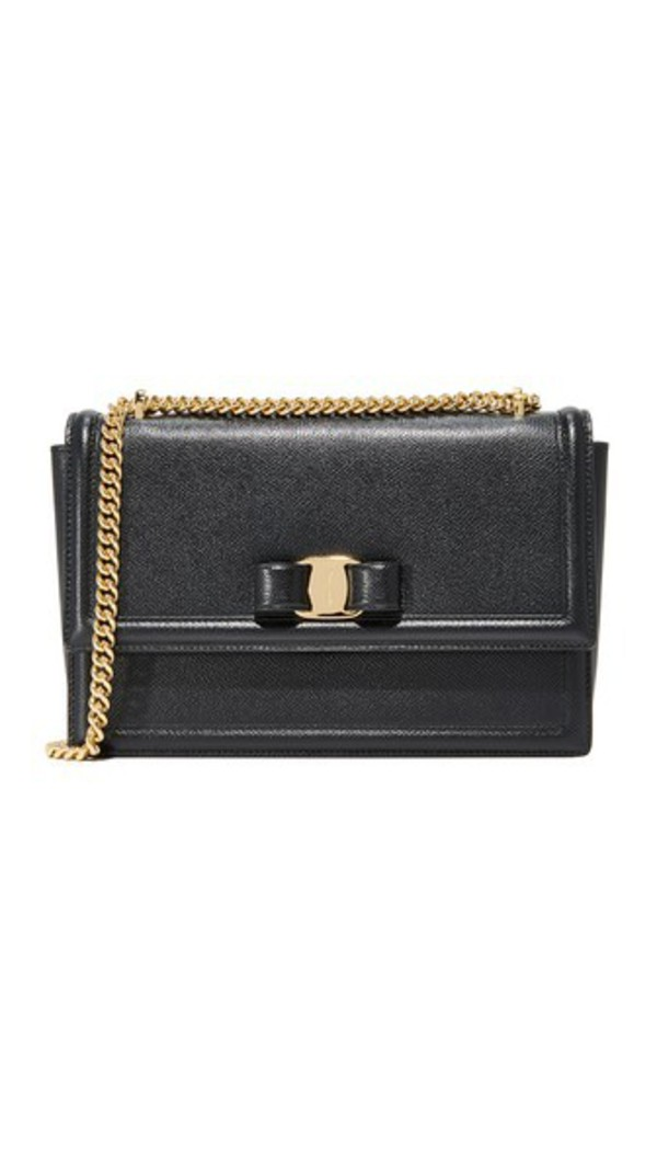 Salvatore Ferragamo Ginny Shoulder Bag in nero