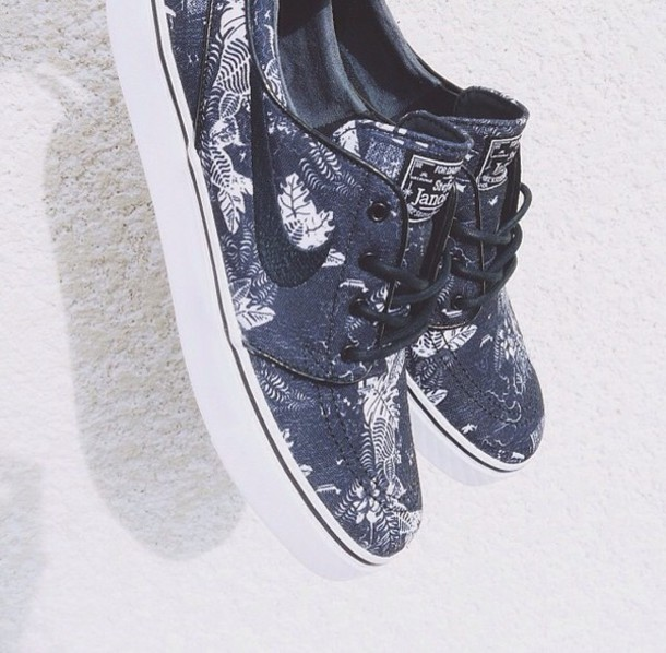 shoes black and with nike janoski black and withs nike sb nike janoski floral