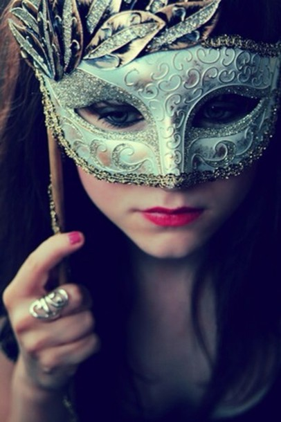 Jewels: pink nails, red lipstick, masquerade mask, pretty ...