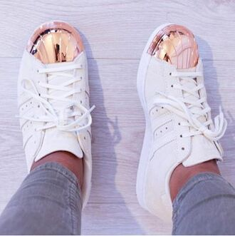 shoes adidas adidas shoes white adidas superstars rosegoldadidas white adidas shoes adidas originals whiteandgold tennis shoes rose gold