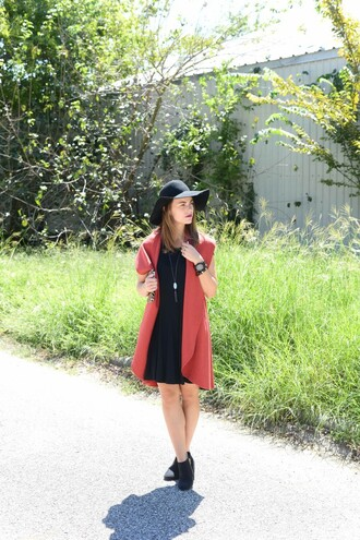 live more beautifully blogger dress jacket hat shoes jewels bag