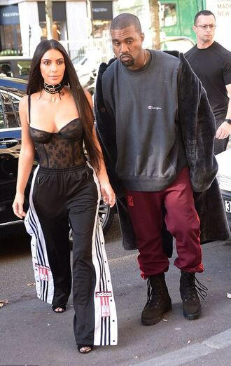 underwear bra bustier lingerie sexy lingerie sweatpants kim kardashian kardashians choker necklace kanye west streetstyle paris fashion week 2016