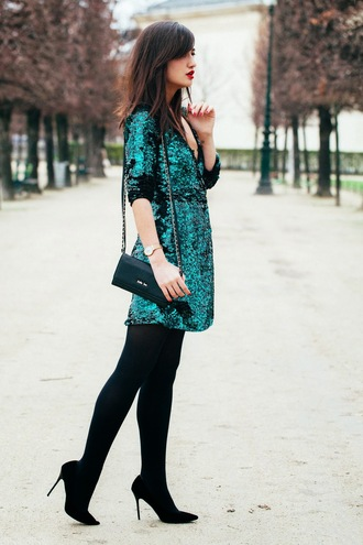 meet me in paree blogger sequin dress green dress new year's eve mini bag