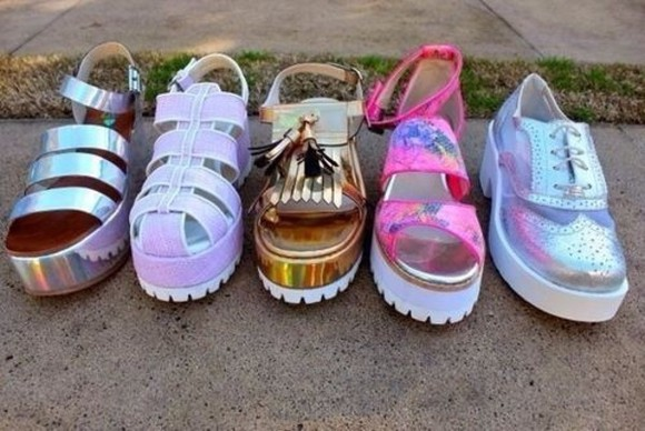 tumblr clothes cute gold white shoes sandals pink silver how two live howtwolive hollogram 90s tumblr shoes hologram holographic pale weheartit grunge soft grunge platform shoes