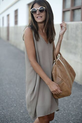 dress bag grey minimalist sunglasses chic boho chic grey dress brown bag