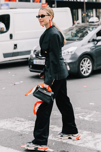 jacket tumblr blazer black blazer streetstyle pants black pants wide-leg pants sneakers bag handbag sunglasses