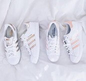 shoes,adidas,adidas superstars,gold,white,pink,three stripe,gold and white,white sneakers