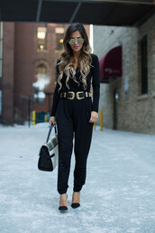 maria vizuete,mia mia mine,blogger,belt,jumpsuit,bag,all black everything,aviator sunglasses,black heels,double buckle belt,black belt,black jumpsuit,mirrored sunglasses,long sleeves,handbag,pumps,pointed toe pumps,black pumps