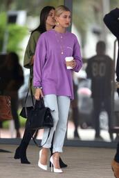 shoes,pumps,purple,oversized,hailey baldwin,jeans,model off-duty,streetstyle,white shoes