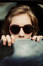sunglasses,brown,black,glasses,brown sunglasses,nice